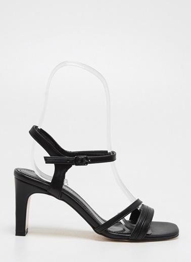 F By Fabrika Kadın Siyah Ayakkabı KLARA Siyah